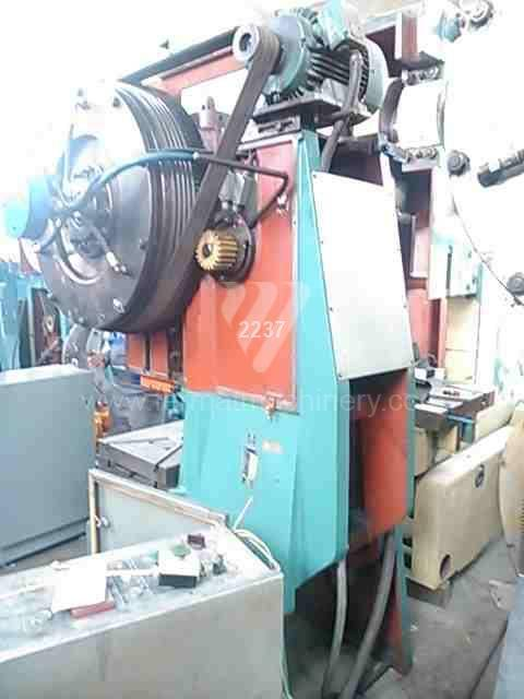 Press / Excentric up to 100 T / LEN 40 C