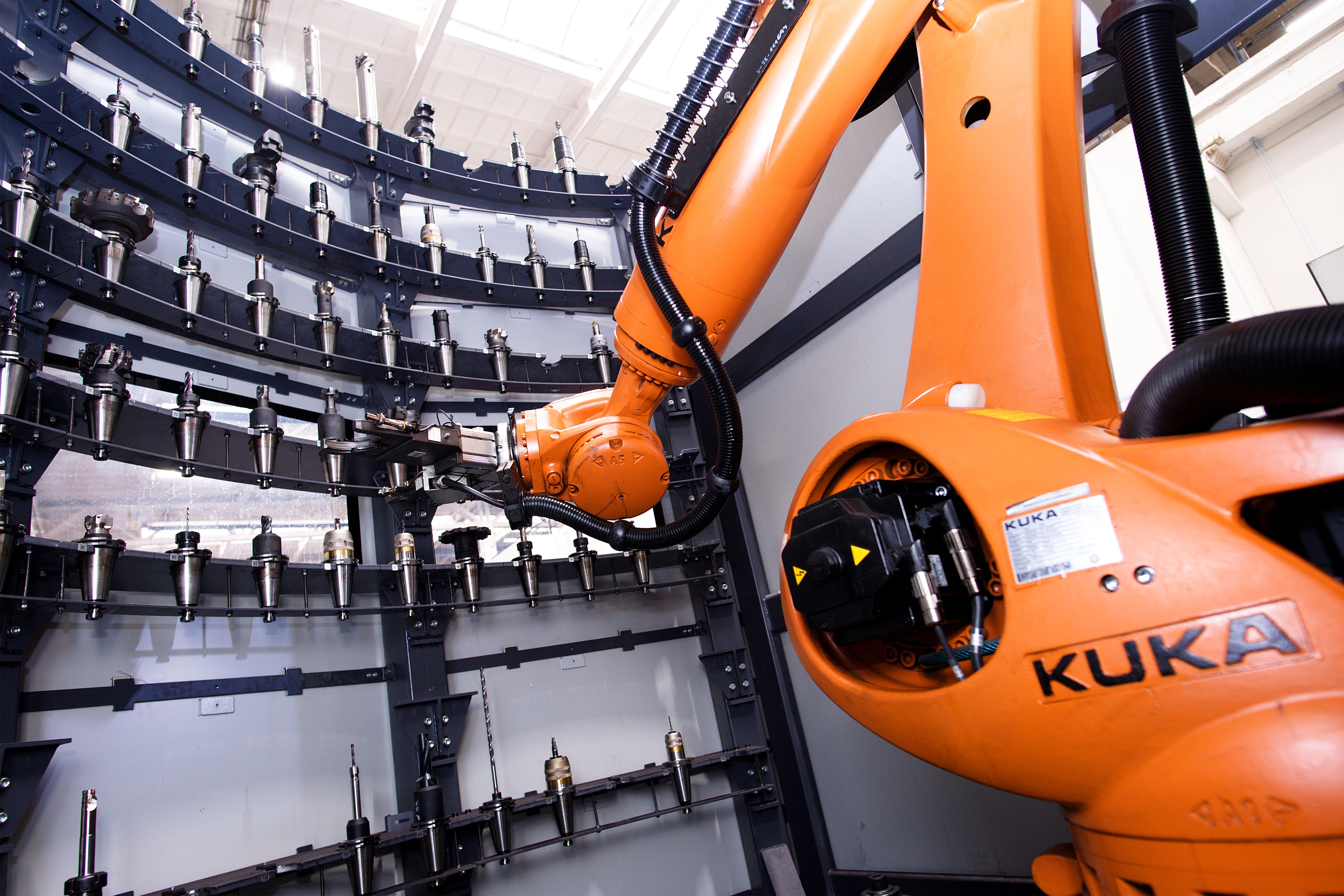 Werkzeugarena mit KUKA Roboter 96/125/189 - Image3