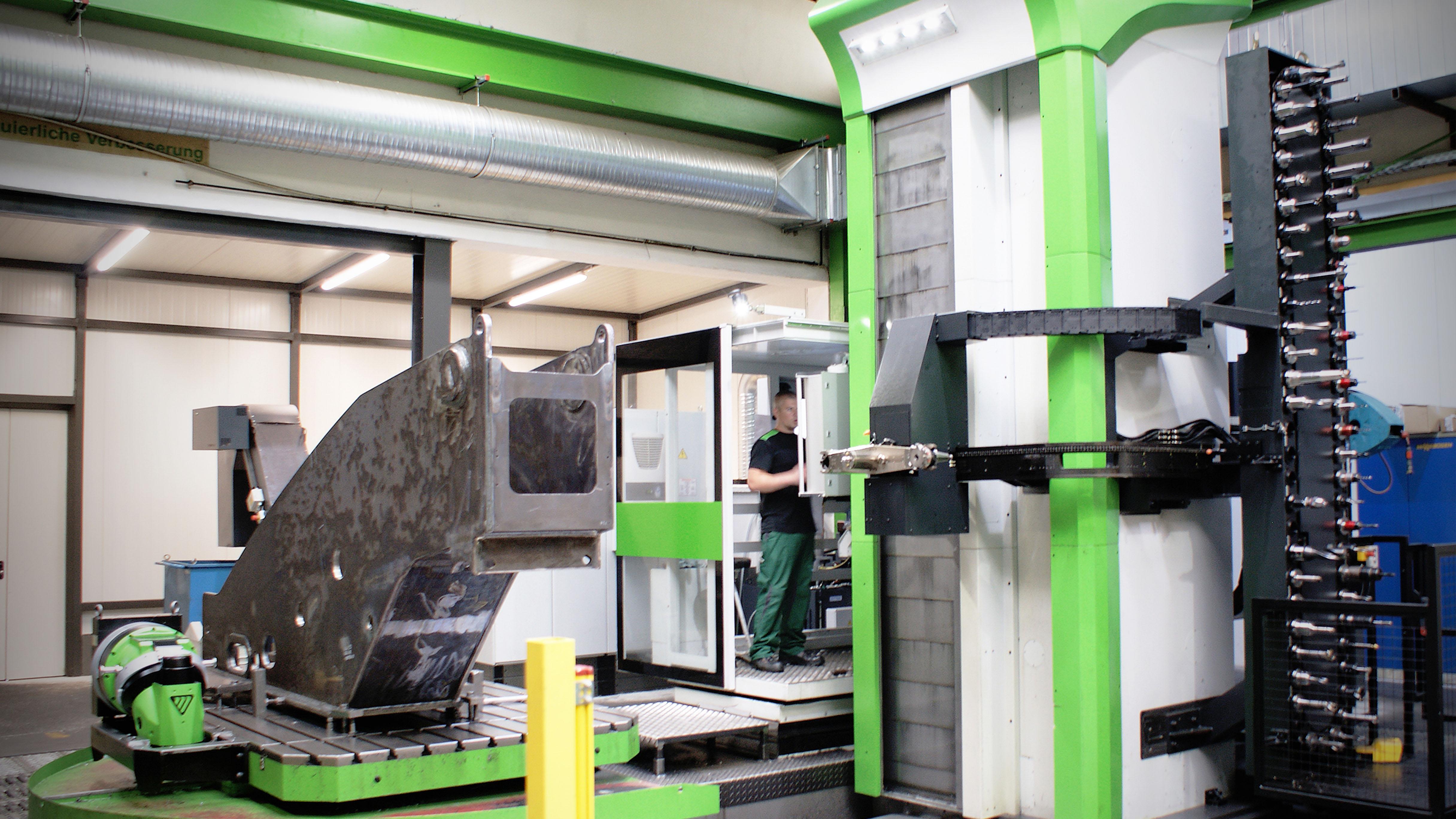 Sennebogen Maschinenfabrik GmbH - Image